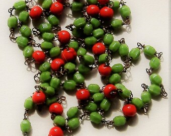 1950S RED and  GREEN  GLASS long necklace