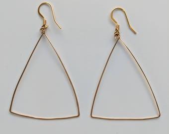 Triangular Earrings / Gold Wire Earrings / Wire Earrings / Geometric Earrings / Minimal Jewelry / Simple Jewelry / Triangle Earrings / Boho