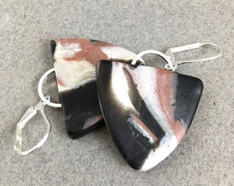Stoney dangle triangle earrings brown, black and pearl polymer
