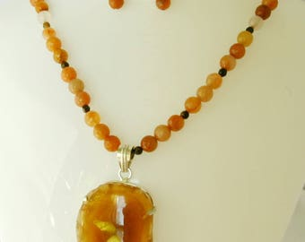 Agate Slob Pendant Earrings Necklace Set