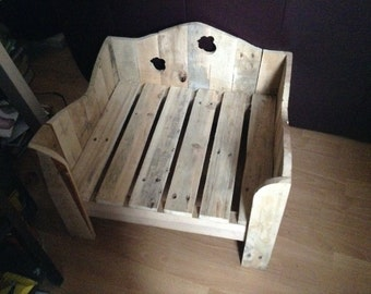 Small Wooden Dog / Cat Bed made with recycled pallet wood