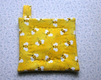 child/elderly small hands bumble bees honey bees spring time summer time hand quilted insulated potholder with loop to hang