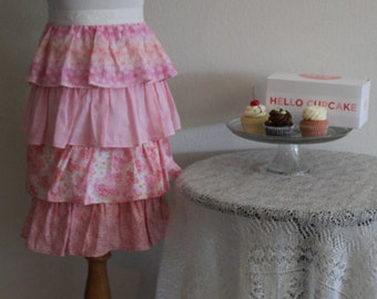 Vintage 50's 60's Mid Century Housewife Bombshell Ruffled Tiered Hostess Kitchen Serving Apron
