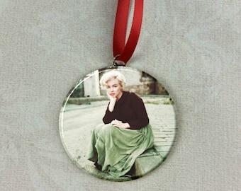 """Marilyn Monroe Green Skirt 2.25"""" Ornament"""