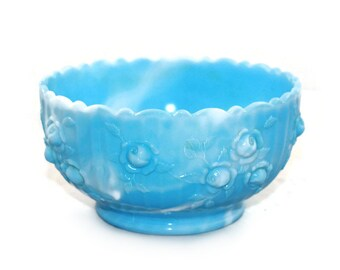 Vintage Fenton Blue & White Slag Glass Cabbage Rose Bowl