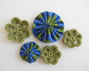 Yo-Yos and Crocheted Flowers - Blue and Green - Cotton Appliques - Cotton Embellishments - Crocheted Flower Appliques