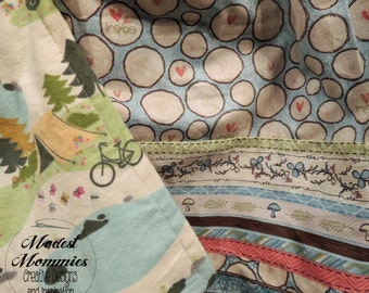 Cozy Nursing Cover: Gone Camping