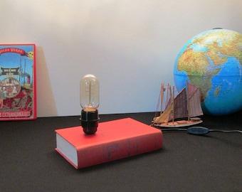 Lamp book travel Jules Verne children of captain Grant