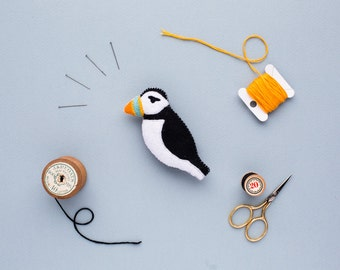 felt puffin brooch - handmade bird badge - puffin gift