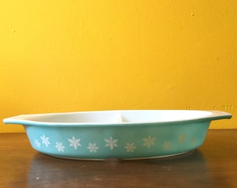 Vintage Pyrex Turquoise Snowflake Divided Dish
