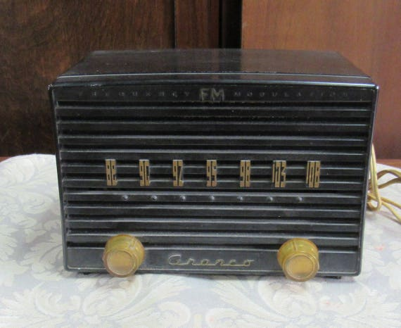 Black Crosley radio