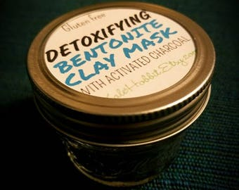 Detoxifying Bentonite Clay Mask with Activated Charcoal