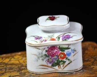 Wonderful Floral Jewelry Box, Antique, Trinket box, dresser jar, Vintage, Porcelain, wonderful present, 1950's, tag is still on bottom #527