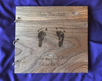 Photo Album Footprint/Custom Hand Print Photo Album/Baby Feet Design Photo Album/Wood Scrapbook/Wood Newborn Gift Album