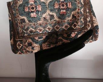 Women's Vintage Cloth Clutch Purse / 1930's Evening Clutch / Metal Thread Embossed Ethnic Evening Purse / Batik Screen Print Cloth Purse
