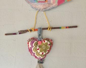 Lovebird Wallhanging with Heart