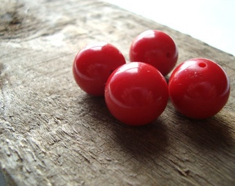 Red Vintage Plastic Round Beads 15mm - Quantity of 4