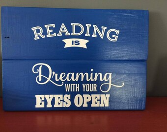 Reading is Dreaming (FREE SHIPPING)