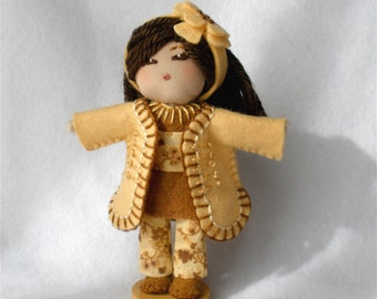 """Soft Face Bendy Doll, Fabric Head Bendable Art Doll, Wire Doll Figurine, Golden Yellow and Brown """"Samantha"""""""