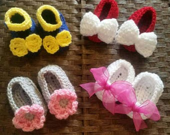 Crochet Baby Shoes, Crochet Baby Girl Shoes, Baby Shoes with Bow, Baby Reveal, Baby Shower Gift, Mary Janes Shoes, Baby Booties, Baby Gift.