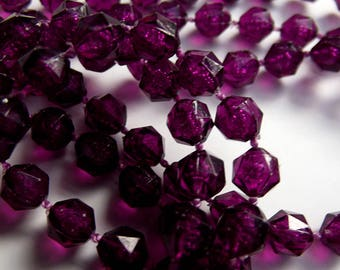 Vintage necklace - Plum Purple faceted plastic beads - Costume Jewelry