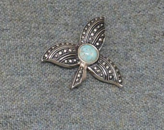Pretty Vintage Costume Brooch