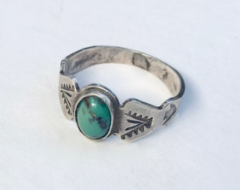 vintage sterling and turquoise arrow ring, size 8.75