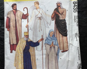 Nativity Scene, Biblical Costumes Pattern // McCall's 8435 > Size 36-38 > Unused > wiseman, angel, shepherd, robes, king, wise man