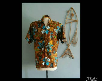 Mens vintage Sterling Mossman barefoot in paradise Hawaiian shirt