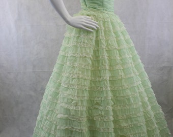 1950's Mint Green Lace Net and Organza Prom Dress Bombshell Sweetheart Neckline Layered Dress Cupcake Dress Bridesmaid Mid-Century