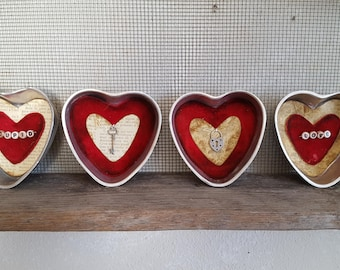This key holds the secret – set of 4 primitive heart-shaped aluminum jello molds with messages/charms