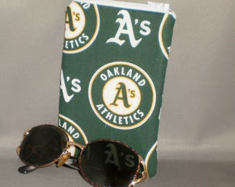 Oakland A's - Baseball Eyeglass or Sunglasses Case - Padded Zippered Pouch
