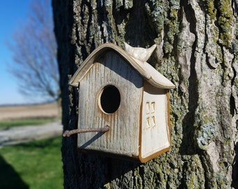Birdhouse Wren house - indoors or outdoors