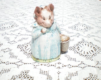 Aunt Pettitoes Statue -Beatrix Potter F Warne -1970 -Beswick England -Peter Rabbit Collectible - Easter gift - Baby nursery decor