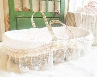Moses Basket for Baby - Gender Neutral Moses Basket and Bedding Makes Ideal Bassinet for New Baby