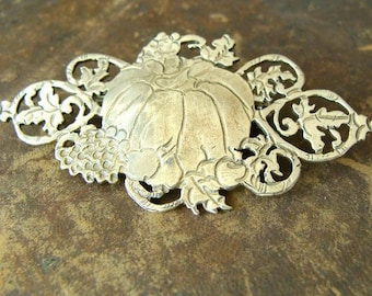 Pumpkin sterling silver brooch - Halloween Jewelry . 925 Sterling Silver . Thanksgiving Gift Ideas for Her . Fall, Autumn, Harvest Themed