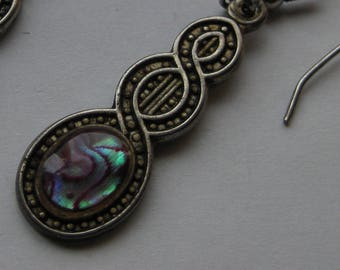 Single Earring Abalone Celtic design