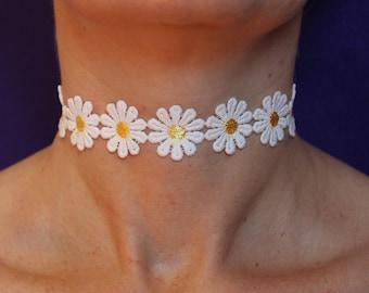 Daisy chain choker / flower choker / daisy choker