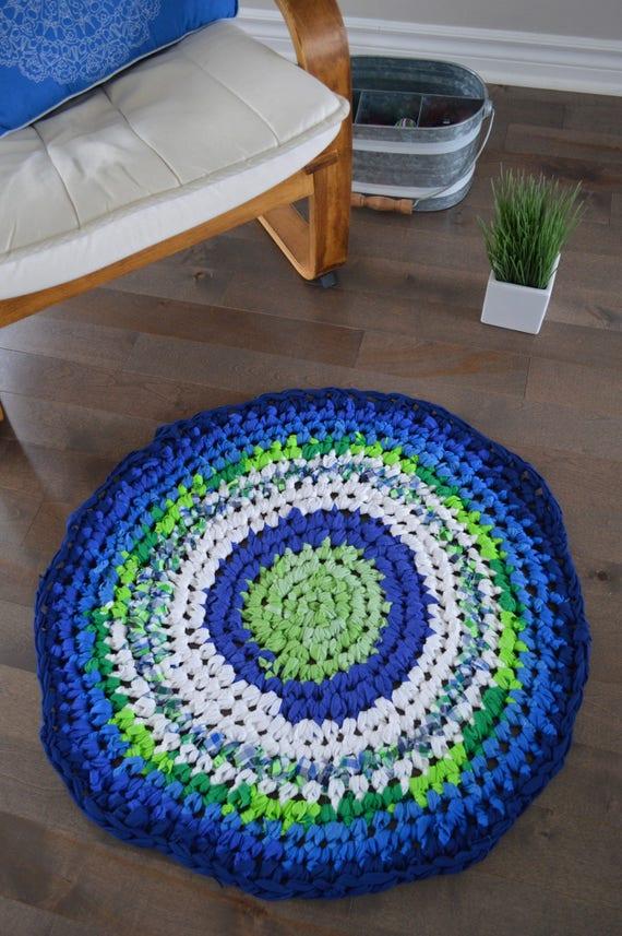 tapis rond au crochet fait main. Black Bedroom Furniture Sets. Home Design Ideas