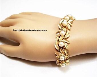 Avon Pearl Leaf Bracelet Gold Tone Vintage Evening Creation 1971 6mm Round White Beads Florentine Brushed Wide Curved Links