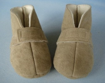 SALE - PDF ePattern for Precious Baby Boot - Slipper with Ribbon Ties or Velcro Straps Sewing Pattern