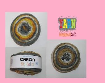 Caron Big Cakes Yarn 603 Yds /551 M / 10.5 oz / 300 g 100% Acrylic / Tiramisu / Honesy Glazred