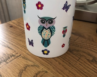 pencil holder for kids, owl pencil holder, owl lovers, cool gifts for kids, desk tidy, bright coloured owls, owl gifts, childrens pencil hol