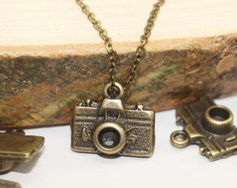 Camera pendant etsy antique bronze camera charms 13x15 mm camera pendant antique bronze photo charm necklace pendats photography charm camera charms aloadofball Gallery