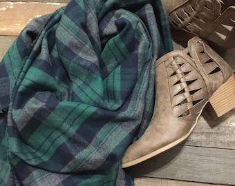 Flannel scarf, blanket scarf, fall scarf, scarf, fall accessory, flannel, fall, cozy scarf, plaid scarf