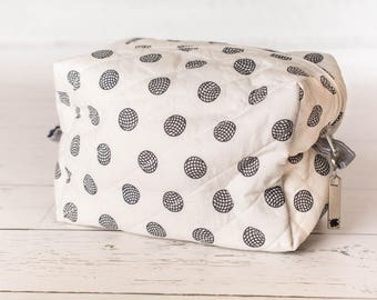 Box corner zippered pouch