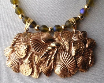 Sea Shell Motif Bib Necklace