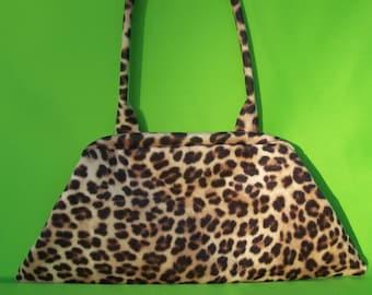 Shoulder Clutch -- Leopard
