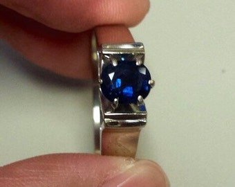 18K White Gold Ring With Sapphire, Size 9