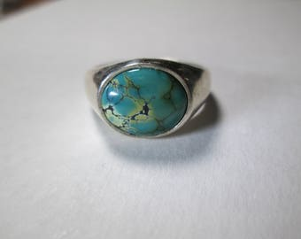 ring, size 10... turquoise set in sterling silver
